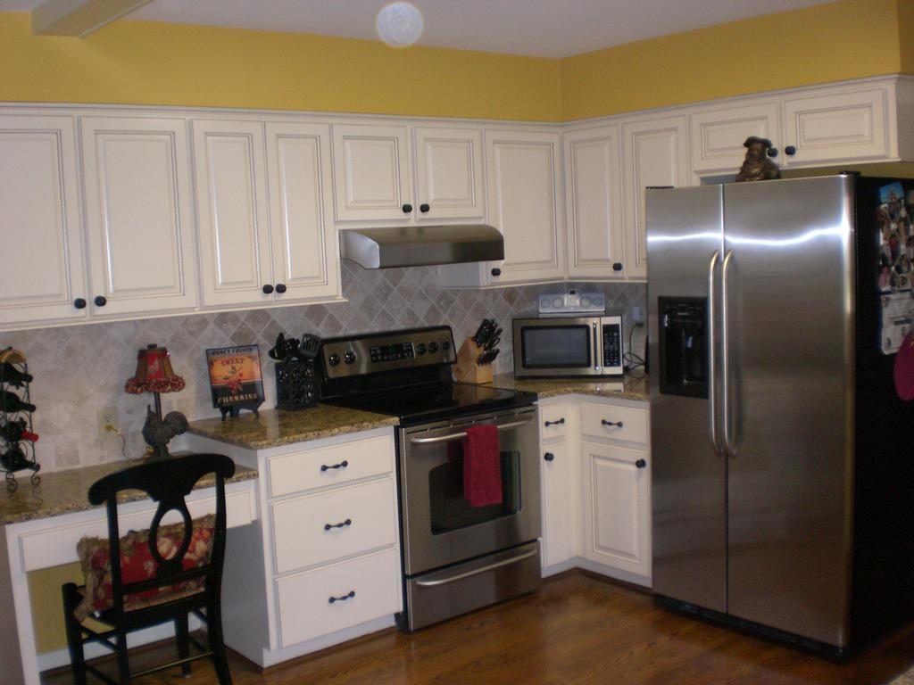 Pictures for bull restoration in raleigh nc 27614 for 1980 kitchen cabinets