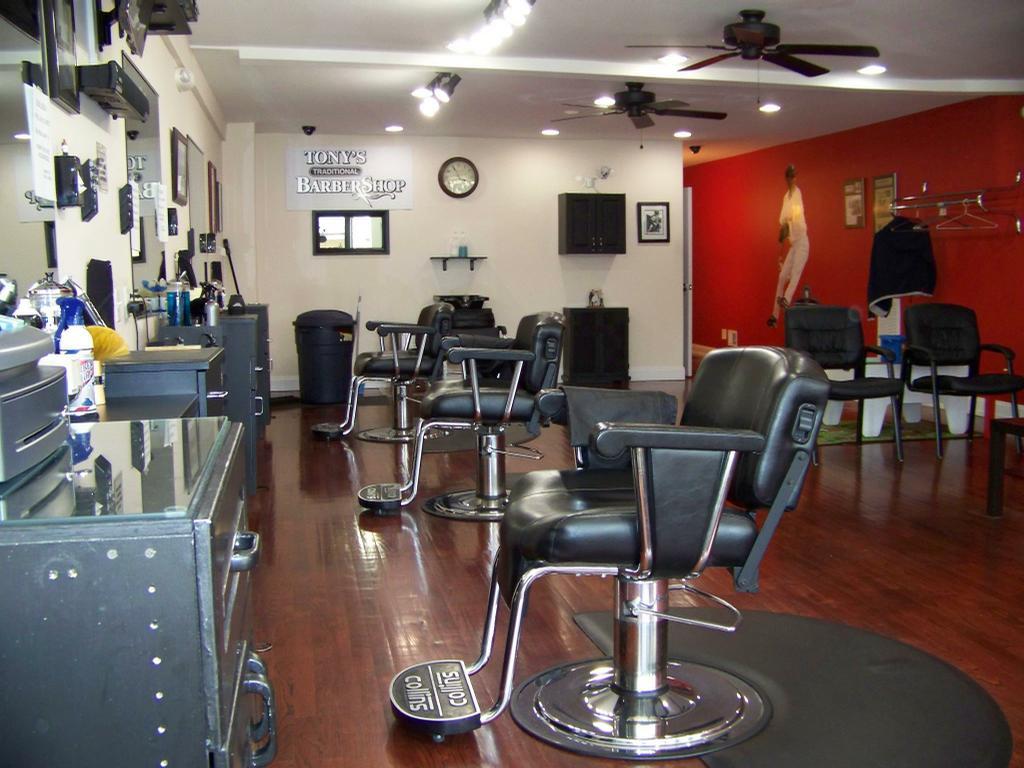Tonys traditional barber shop matawan nj 07747 732 566 - Barber shop interior ...