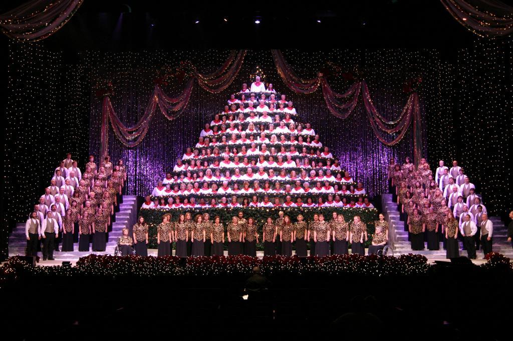 Singing Christmas Tree Portland.Portland S Singing Christmas Tree Portland Or 97230 503