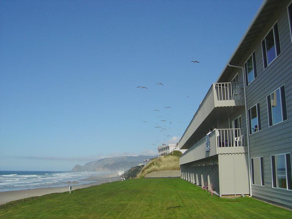 Pet Friendly Oceanfront Hotels Lincoln City Oregon