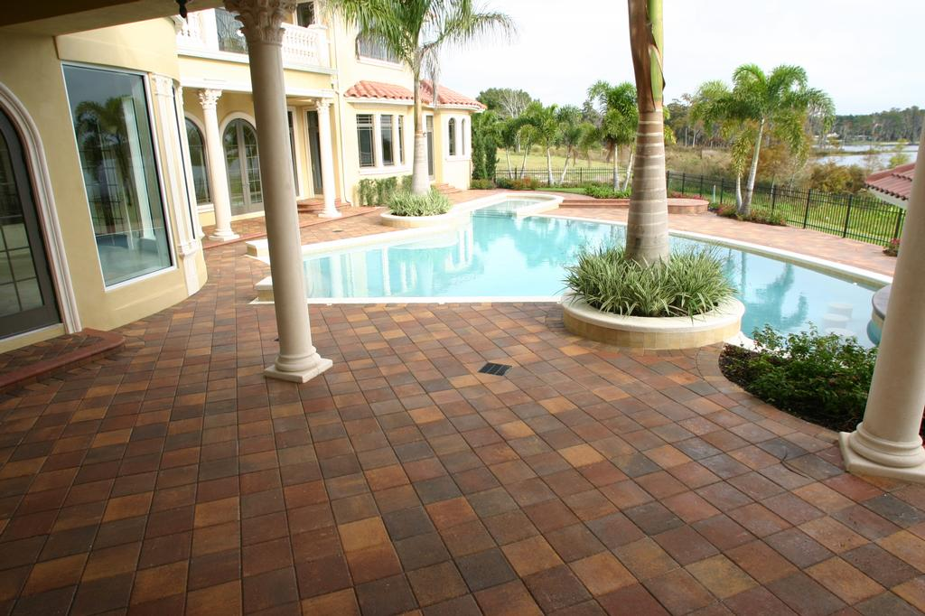 Brick pool deck images for Best pavers for pool deck