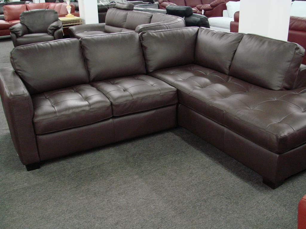 Thanksgiving Day Sale Natuzzi I276 Small Sectional Jpg