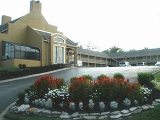 Antioch Quarters Inn & Suites - Antioch, TN