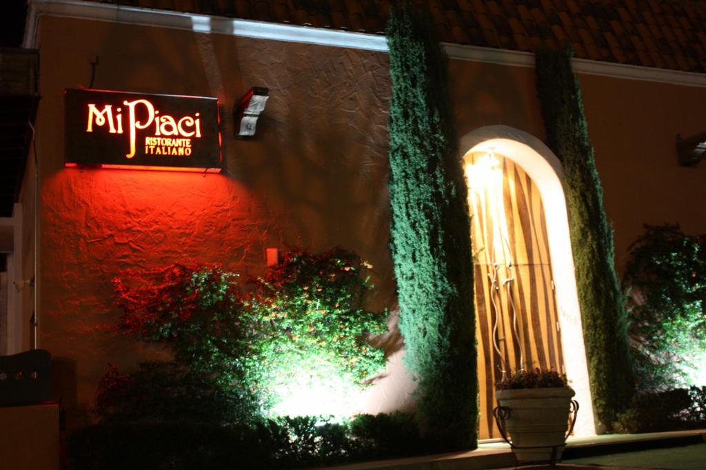Mi piaci ristorante italiano pepper tree square el paso for Italian kitchen el paso tx menu