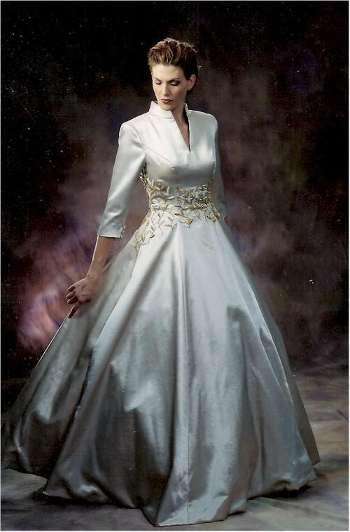 Long sleeved wedding dresses plus