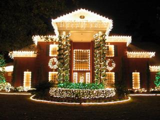 Houston Holiday Lighting Installations for Christmas 832-515-9433