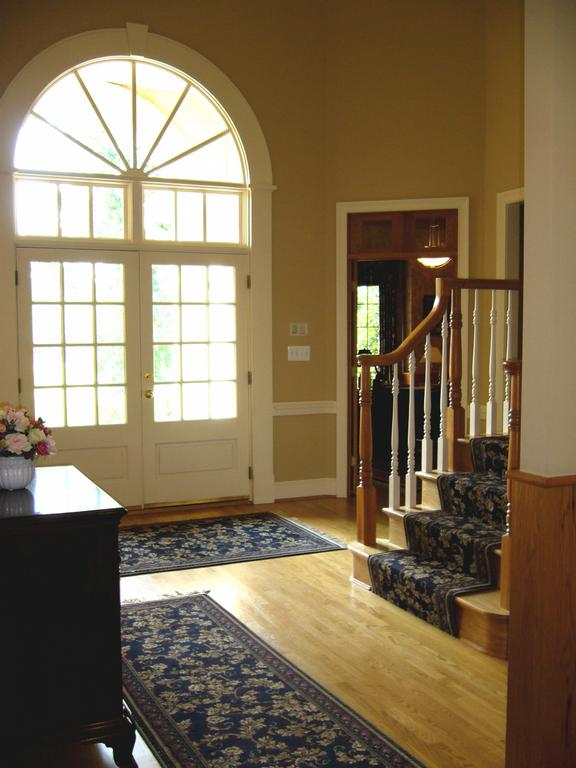 Front Foyer Carpets : Rug runners for entryways home improvement
