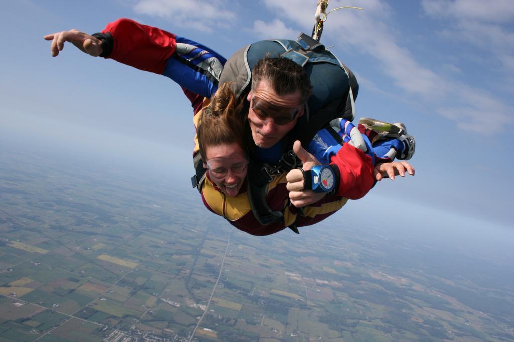 Green Bay Skydivers Pulaski Wi 54162 920 822 5010
