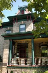 Naeset-Roe Bed & Breakfast - Stoughton, WI
