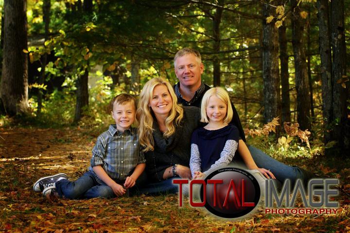 Backyard Family Portrait Ideas : Go Back > Gallery For > Outdoor Family Portrait Poses Ideas