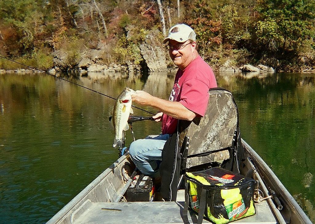 Rock eddy bluff farm dixon mo 65459 573 759 6081 for Fishs eddy coupon