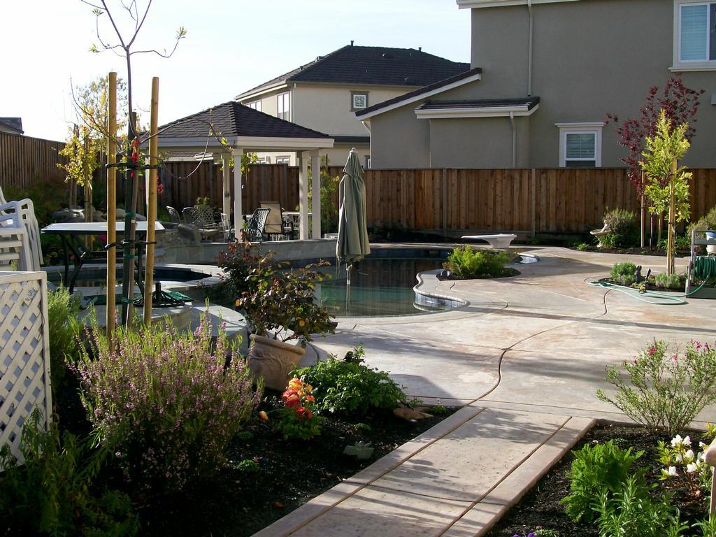 American Built Pools Inc Pleasanton Ca 94566 925 449 3446