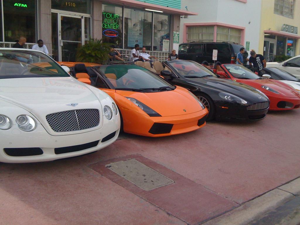 prestige luxury auto rental miami fl 33142 888 513 9711. Black Bedroom Furniture Sets. Home Design Ideas