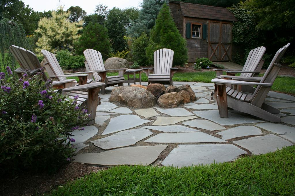 patio designs small gardens