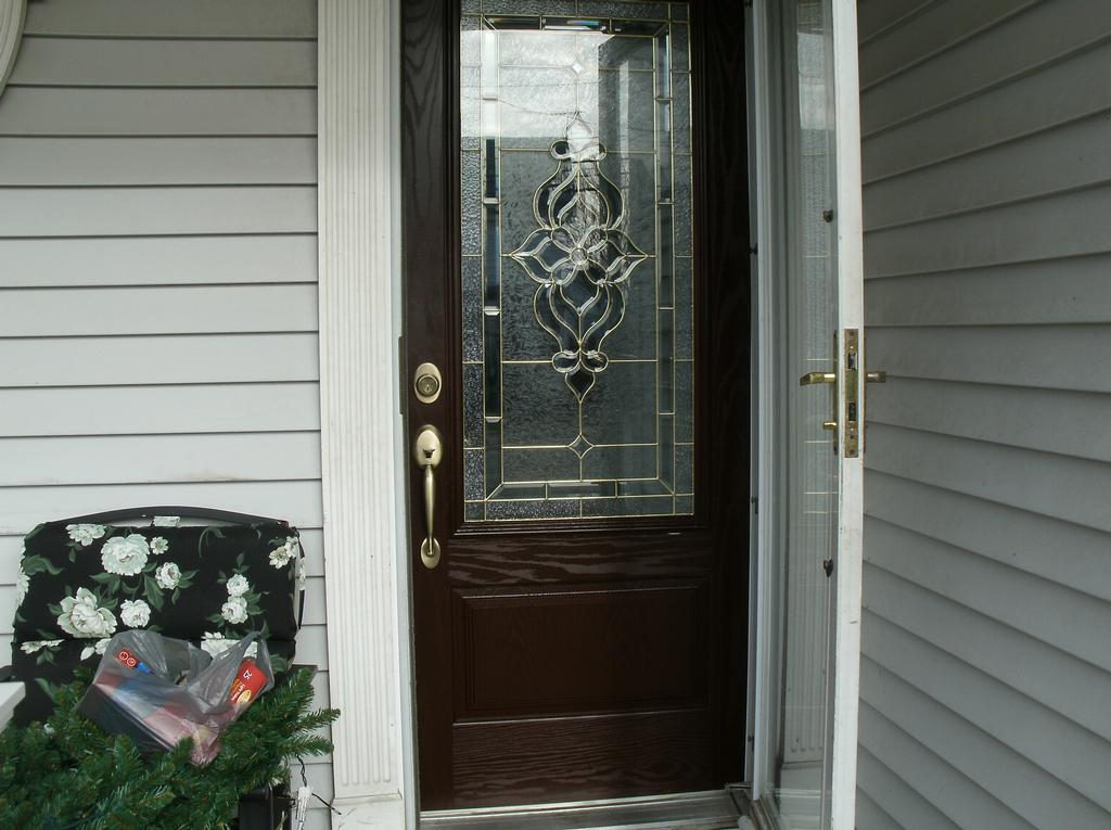 Installed feather river fiberglass entry doors gloucester for Fiberglass entry doors with glass