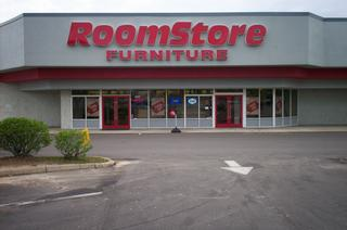 roomstore inventory liquidation sale roomstore in tallahassee fl 32301. Black Bedroom Furniture Sets. Home Design Ideas