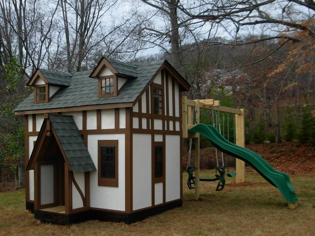 This playhouse looks just like the big house jpg from for Big kid playhouse