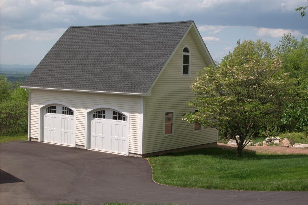 The barn yard great county garages ellington ct 06029 for Barnyard sheds ellington ct
