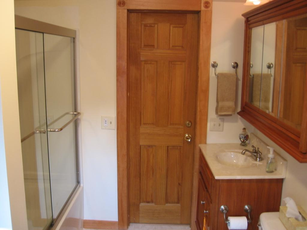 Pictures for hubbard schweitzer construction llc in for Bathroom remodel quincy il