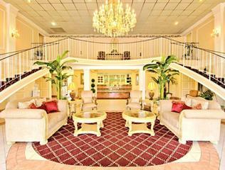 Baymont Inn & Suites - Des Moines, IA