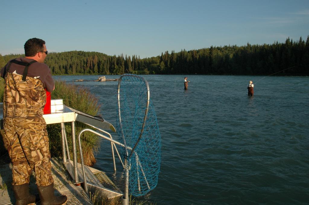 Alaska legacy fish camp soldotna ak 99669 800 620 3474 for Alaska fishing camps