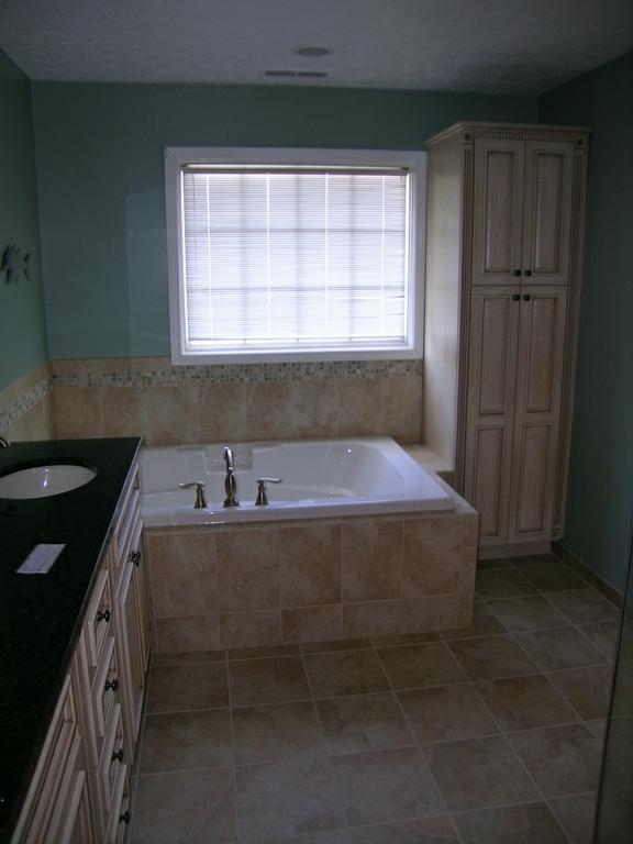 Updike Bathroom Remodeling Indianapolis In 46227 317 786 0360