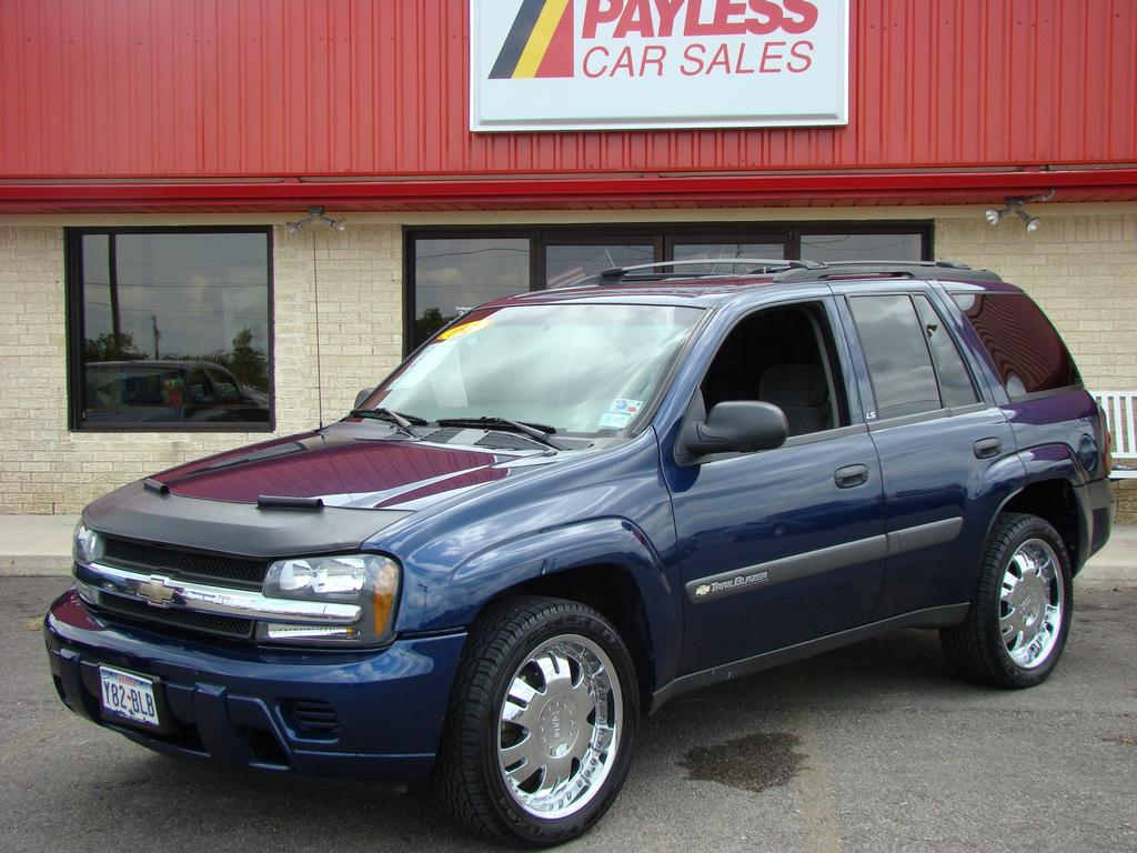 Payless Car Sales offers a low-pressure, no-hassle car shopping experience. Our team members will work with you to find the ideal car for your needs and an owner and driver. We carry a wide variety of cars, trucks, crossovers and SUVs from many different manufacturers.