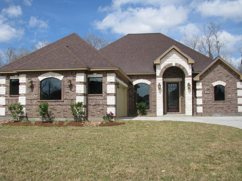 pictures 476 from majestic dream homes llc in freeport