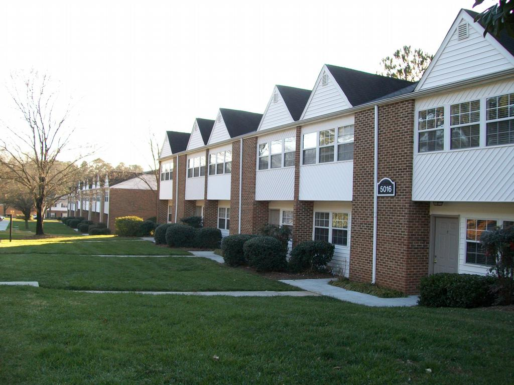 2 bedroom apartments in bloomington il bedroom 2 bedroom for Brookridge heights apartments