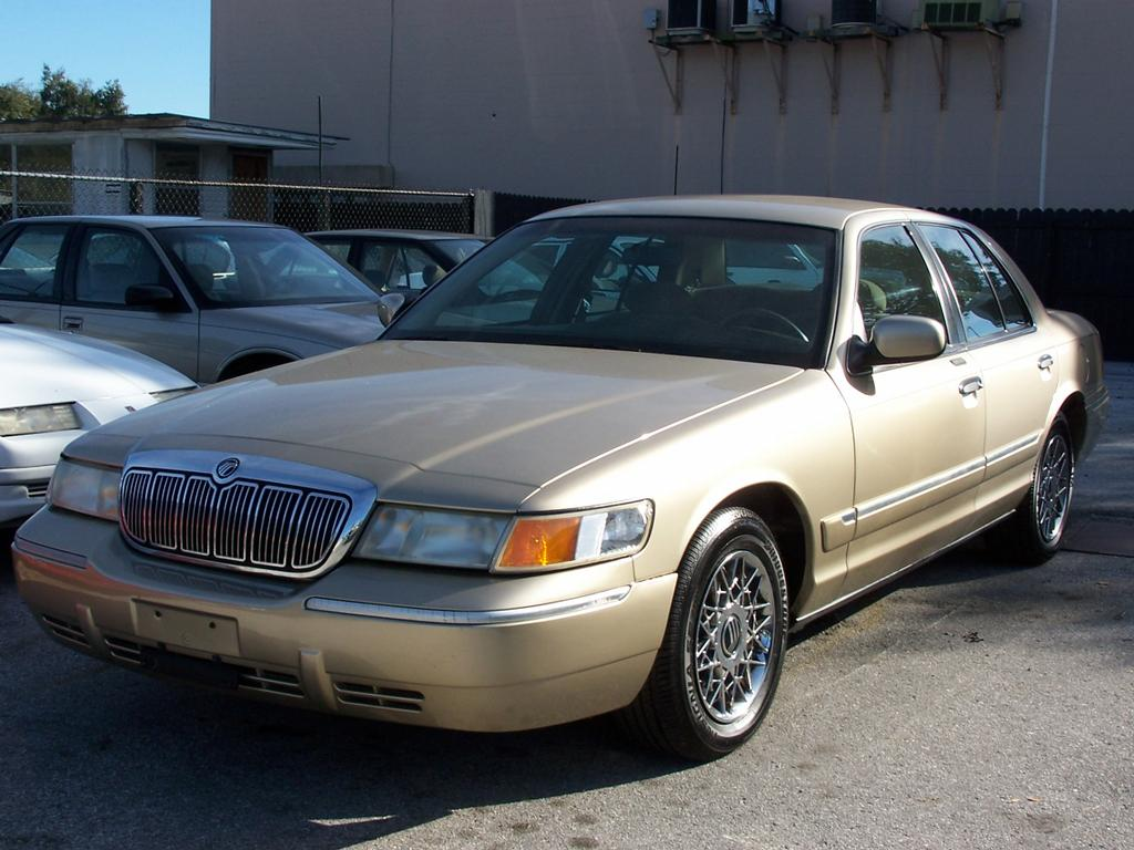 2000 mercury grand marquis auto a c 79k miles nice 4000 special oops too late just. Black Bedroom Furniture Sets. Home Design Ideas