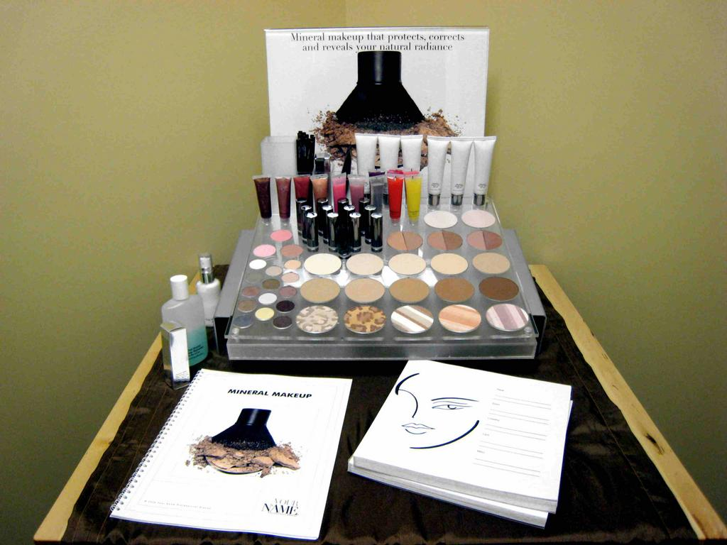 Affinity 39 s own makeup line from affinity spa medica for Salon medica