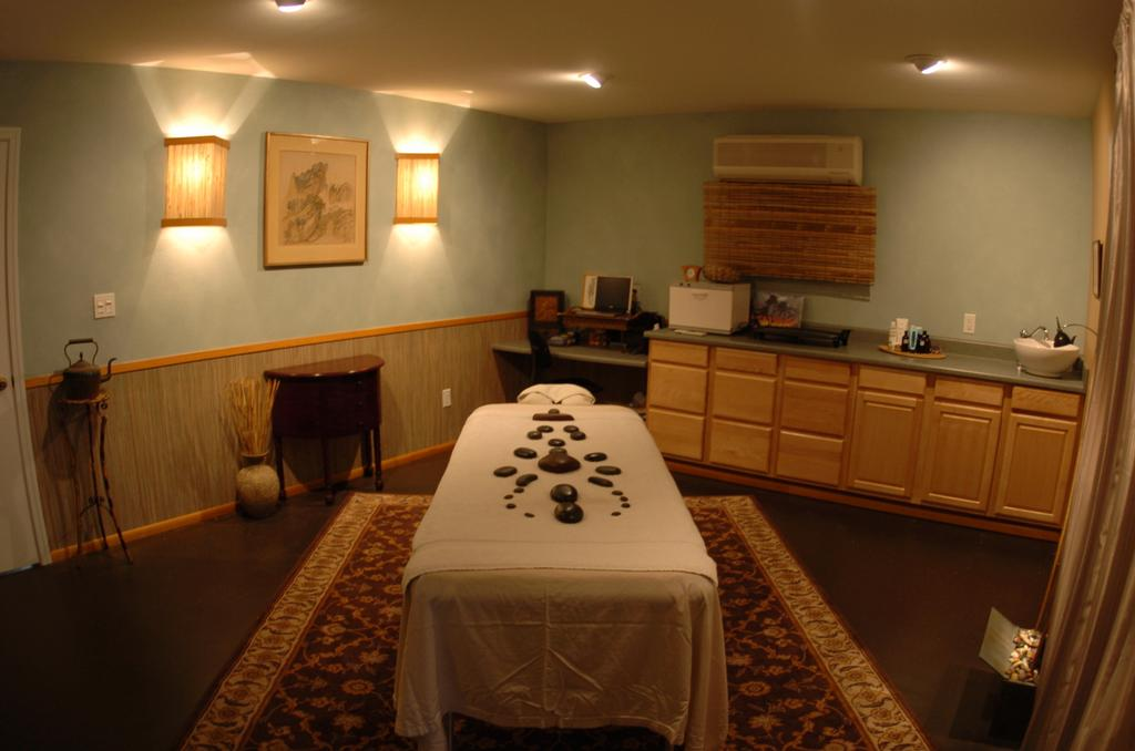 hotel massage france Garden Grove, California