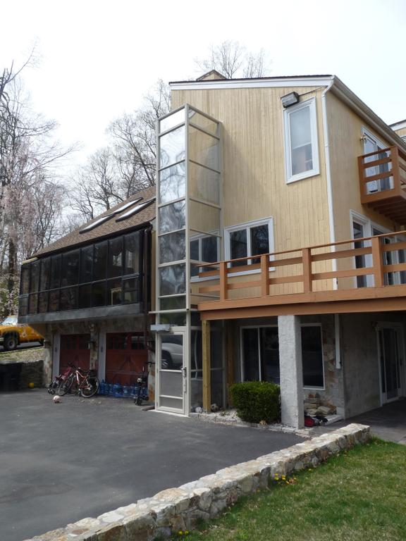 Hudson valley associates wappingers falls ny 12590 845 for 2 story wheelchair lift