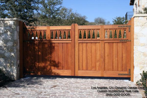 Am looking for wood project detail build wooden gate for Wood driveway gate plans