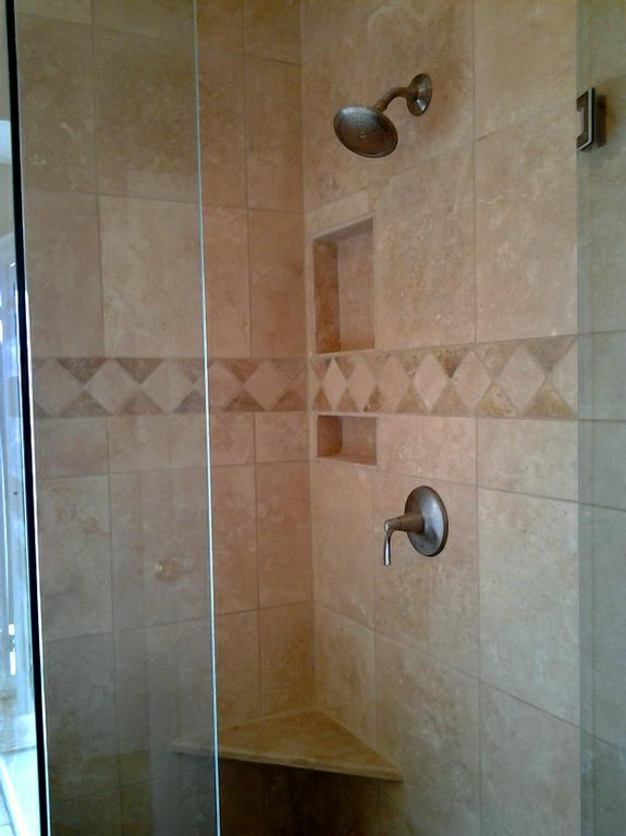 18x18 Travertine On Walls Decorative Contrasting Border