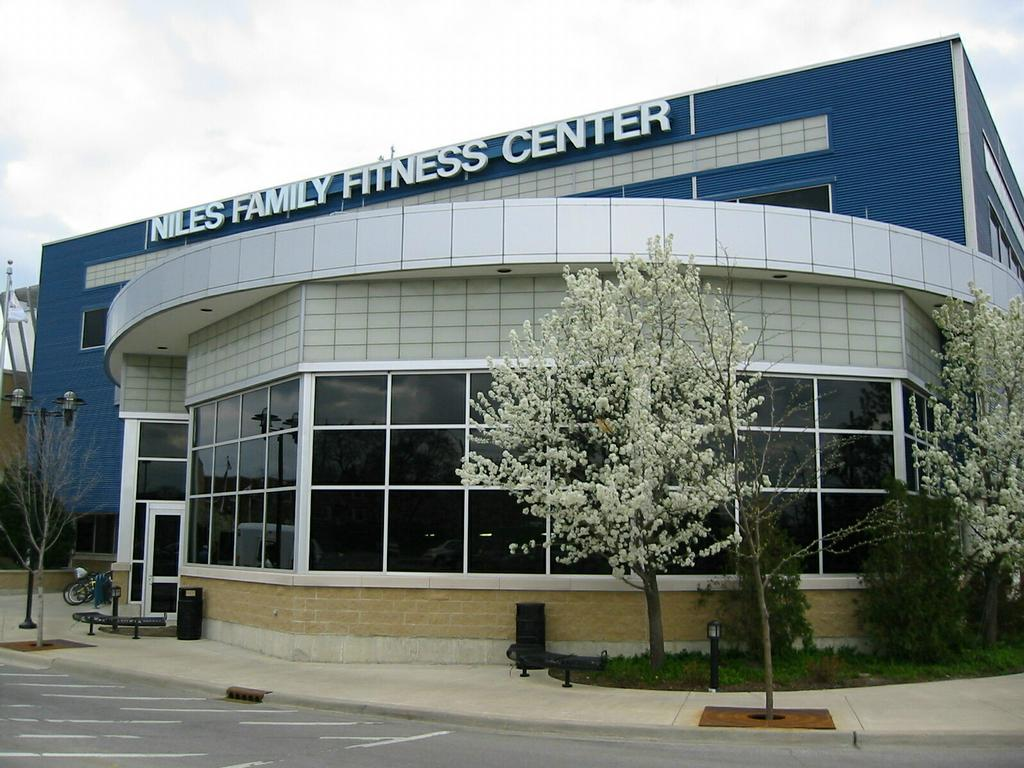 Fitness Center Construction : Niles family fitness center il