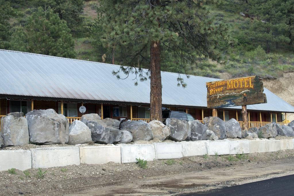 Pictures For Feather River Motel-Saloon In Mountain Home