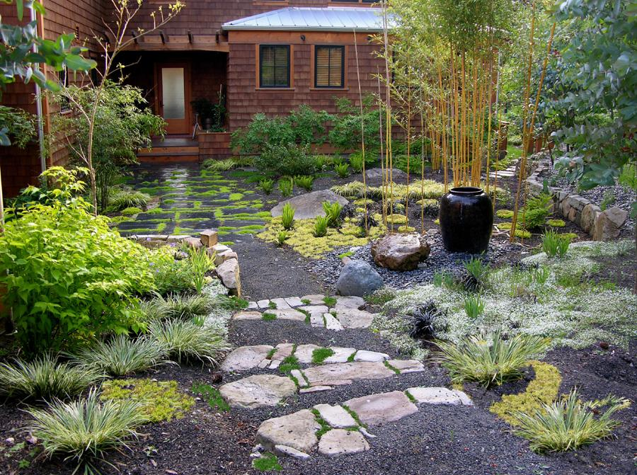 description this modern zen garden consists of an eclectic