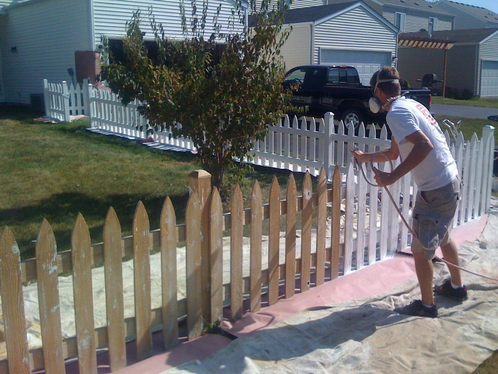 Painted And Stained Fences In Oswego Montgomery Yorkville