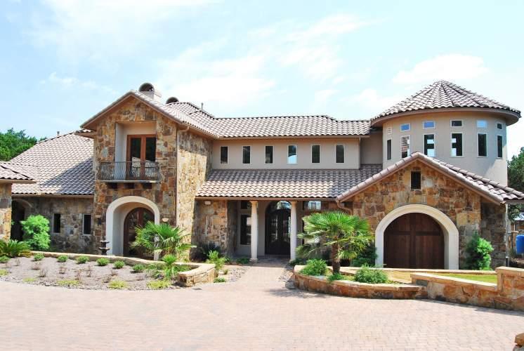 Lake travis luxury home from rob sanders designer custom for Custom home exterior design