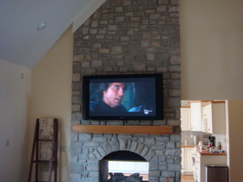 100 Flat Panel TV wall mounting install