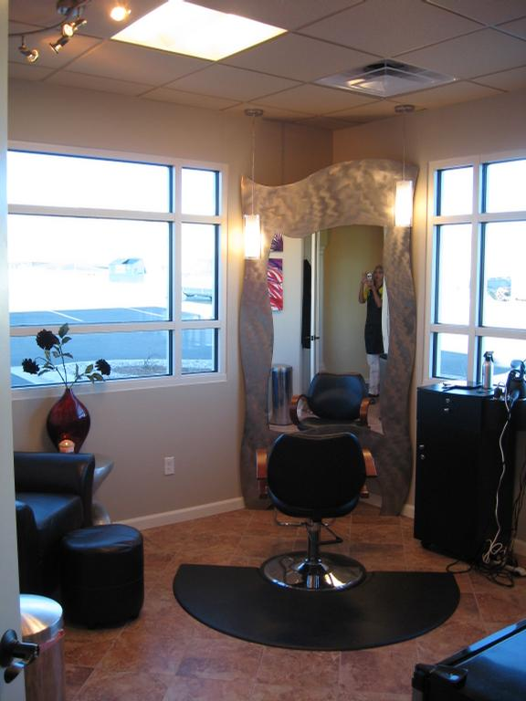 Pictures for a hair salon jeunesse salon and spa in for Salon jeunesse
