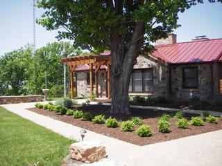 Stone Giraffe Guest House - Hermann, MO