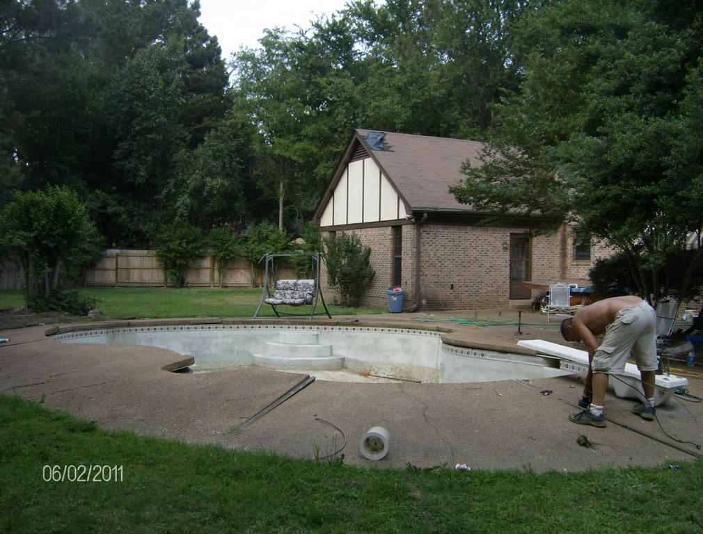 East shelby pool demolition removal memphis tn 38101 for Garden spas pool germantown tn
