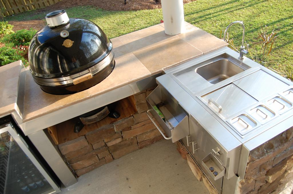 Outdoor Kitchen Tile : Outdoor Kitchen by Padgetts Tile and Wood