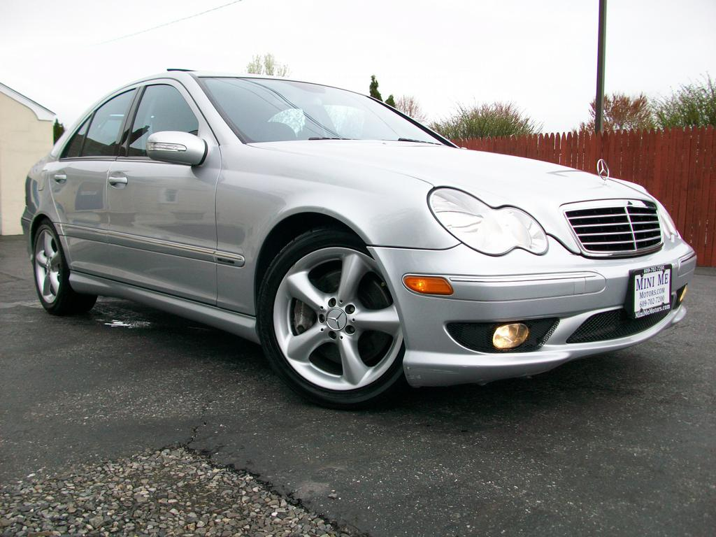 2006 mercedes benz c230 sport from mini me motors in mount for Mercedes benz 2006 c230 sport