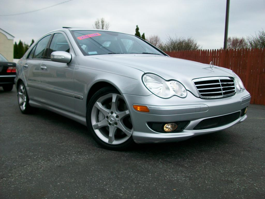 2007 mercedes benz c230 sport from mini me motors in mount for Mercedes benz c230 sport