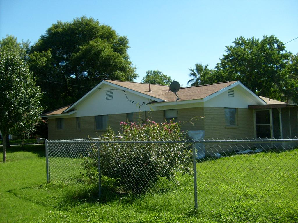 Pictures for tom sawyer painting in marion tx 78124 for Abernathy house