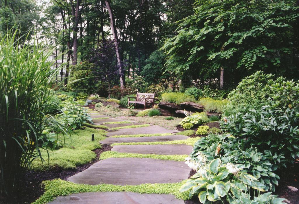 Hickory hollow nursery and garden center tuxedo park ny for Natural landscape design