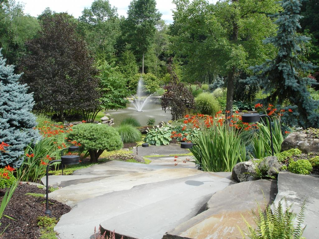 Hickory hollow nursery and garden center tuxedo park ny for Natural rock landscaping